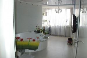 Дизайн интерьера ванной комнаты с растениями