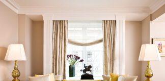 Декорирование окна в гостиной