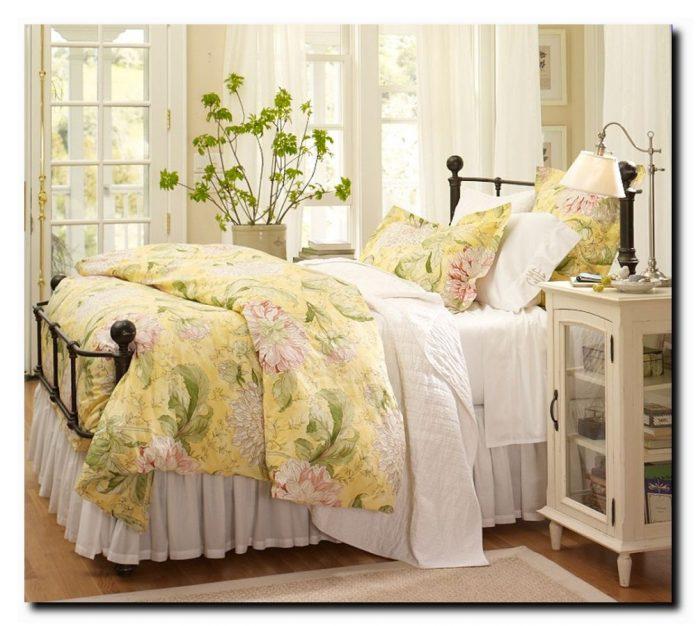 Различные интерьеры спальных комнат