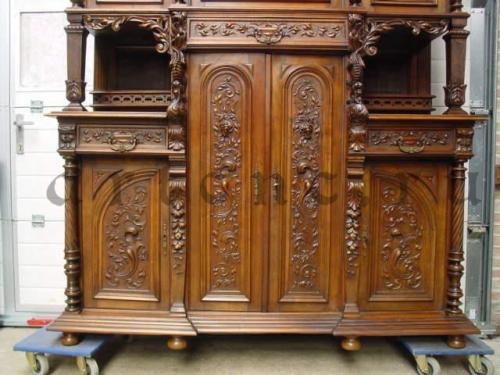 Резной фасад мебели